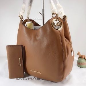 NWT Michael Kors Lillie Large Tote Set